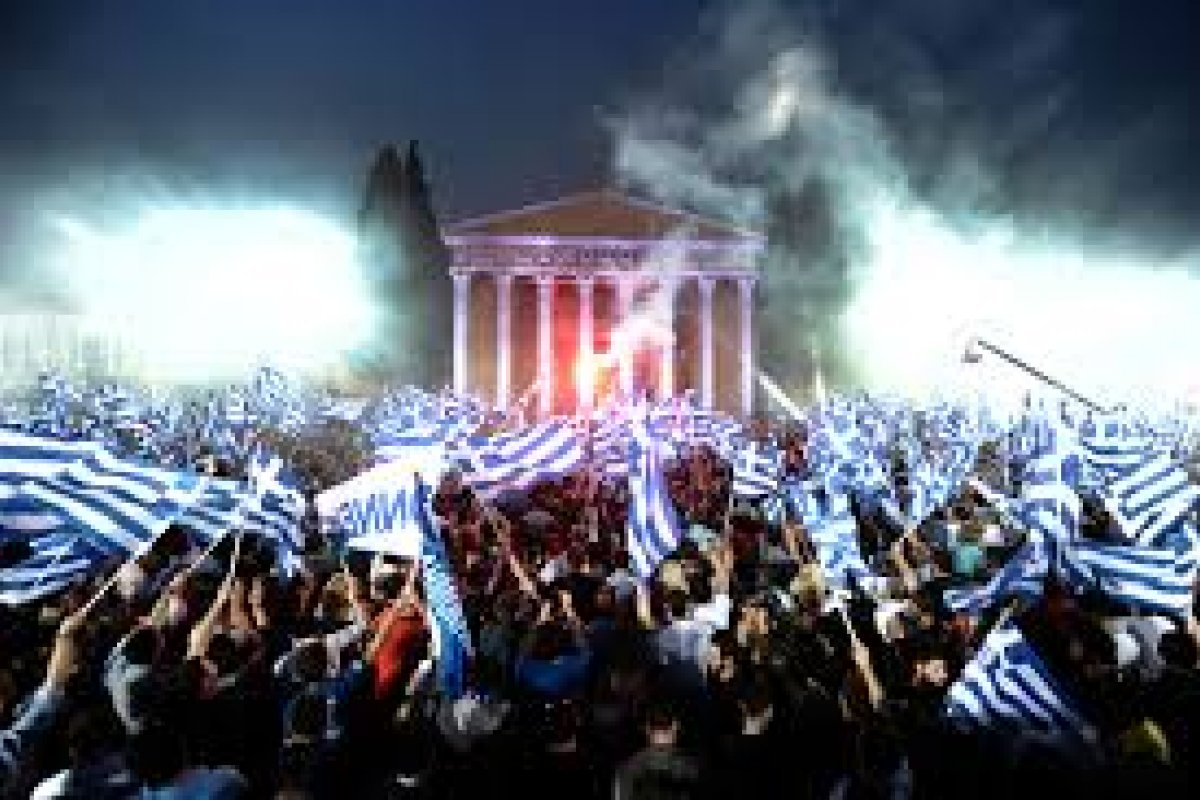 Alexis Tsipras se presentó este martes sin la esperada propuesta que habría facilitado las cosas y reducido el riesgo en sus bancos.