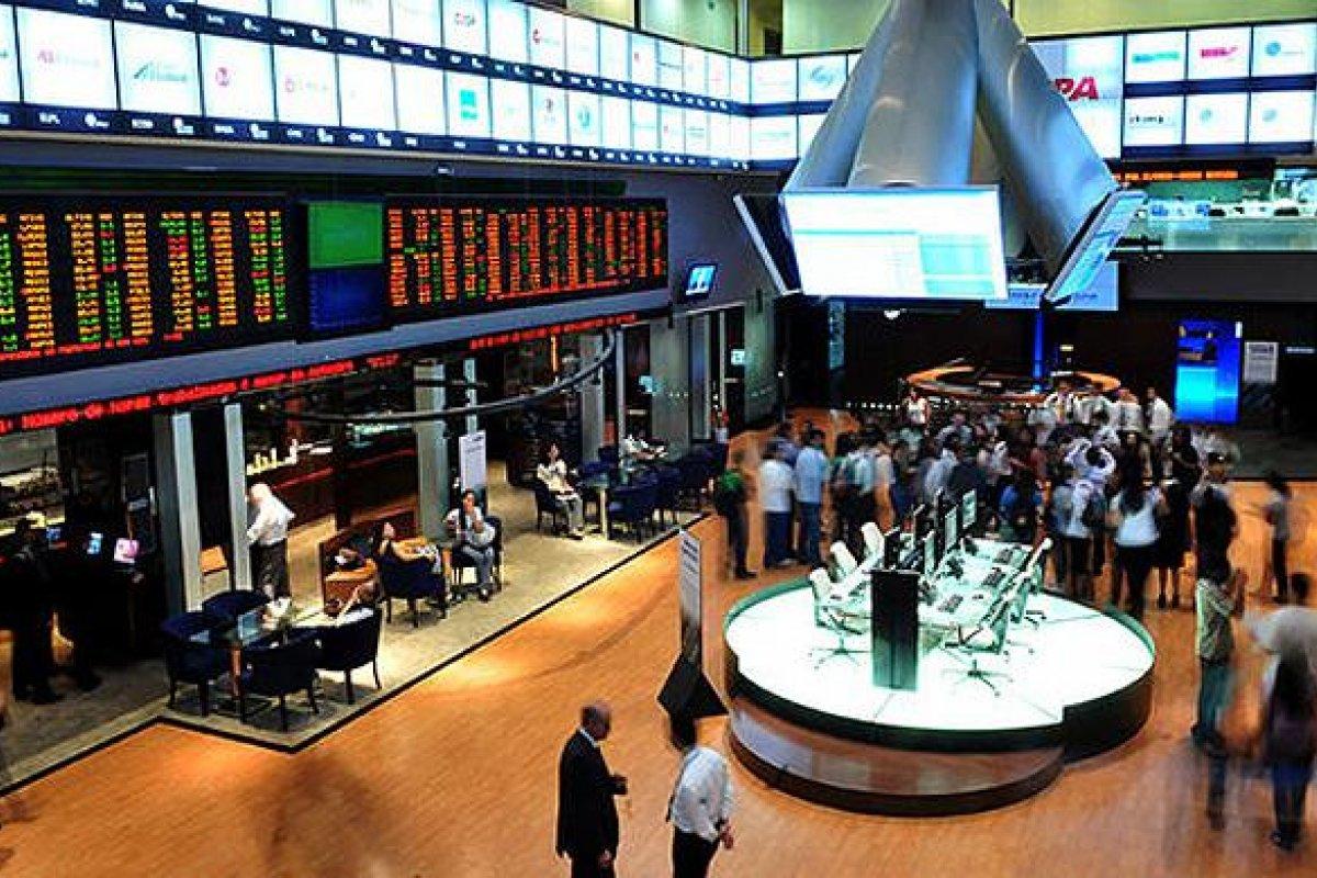 Las bolsas accionarias manifestaron números negativos al cierre de actividades.