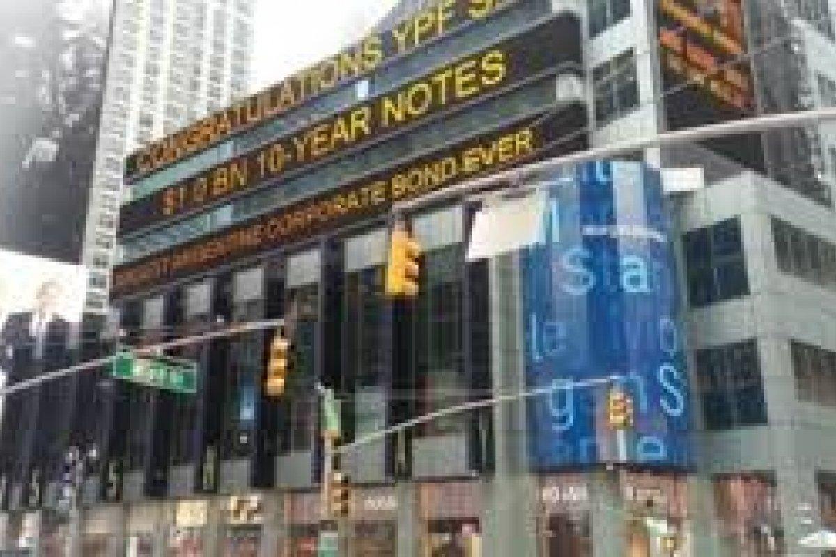 Las bolsas accionarias manifestaron movimientos volátiles al cierre de actividades