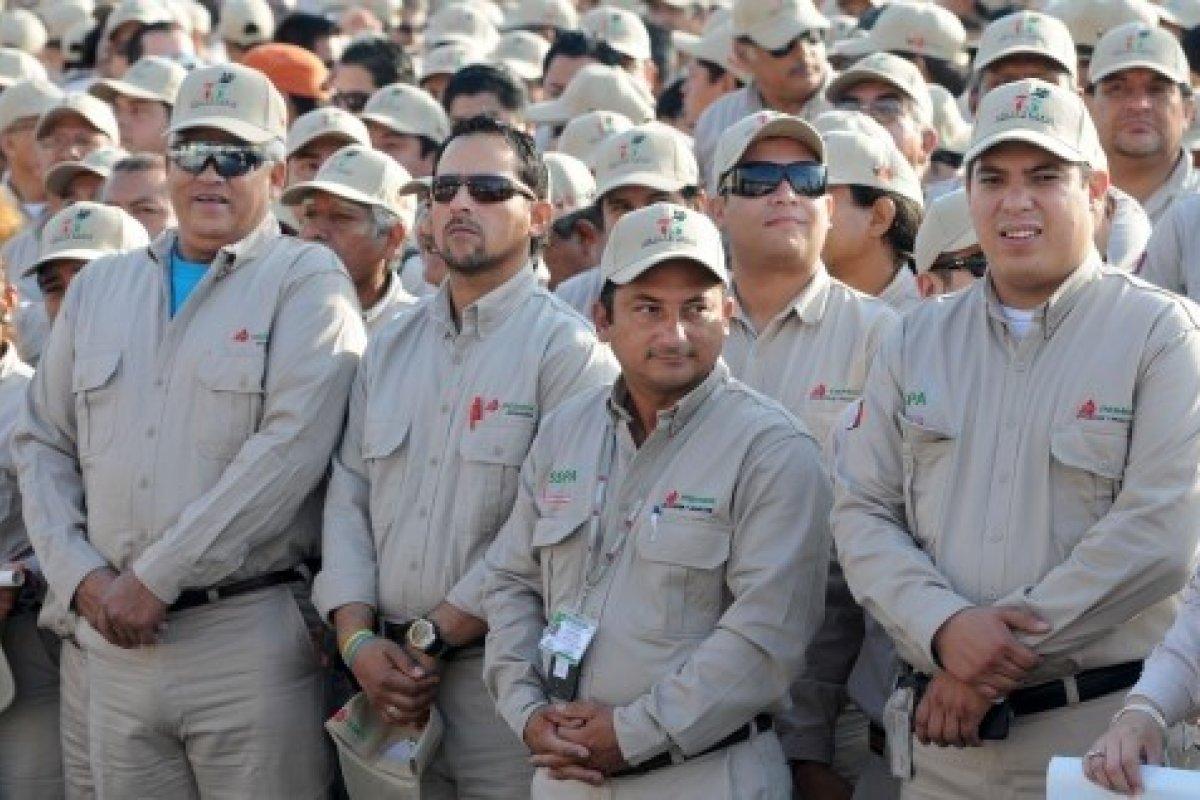 El día de ayer Pemex,  anunció que dentro de un mes se revisará nuevamente el Contrato Colectivo de Trabajo que se regirá del 2015 al 2017.