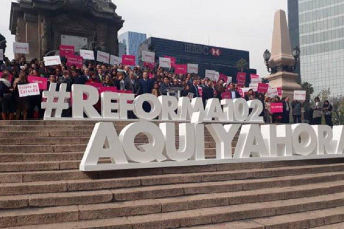 Meade, Anaya y López Obrador decidirán si aceptan el reto de hacer que los legisladores de sus bancadas reformen el artículo 102 constitucional.