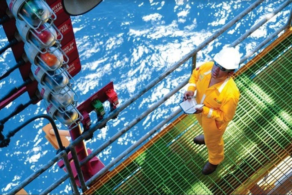 La extracción de petróleo y gas disminuyó 10.3%, porcentaje más alto que se ha registrado, al menos desde 1994. Foto: Pemex