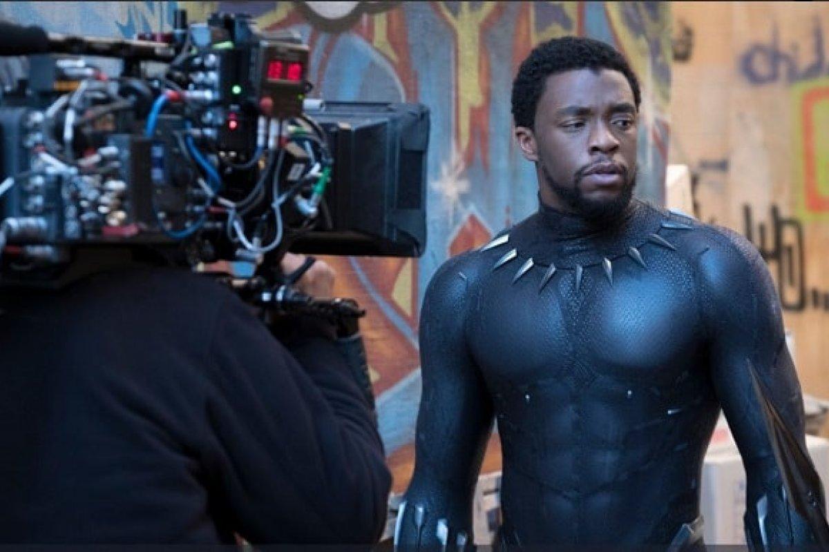 Chadwick Boseman, actor que interpreta a Black Panther durante la grabación de la película.