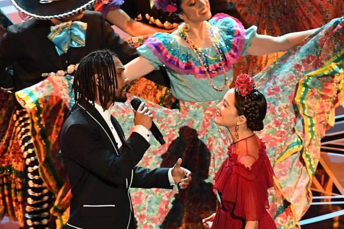 Natalia Lafourcade fue la encargada de musicalizar la noche con el tema de Coco. Foto: Instagram / @lafourcadecol