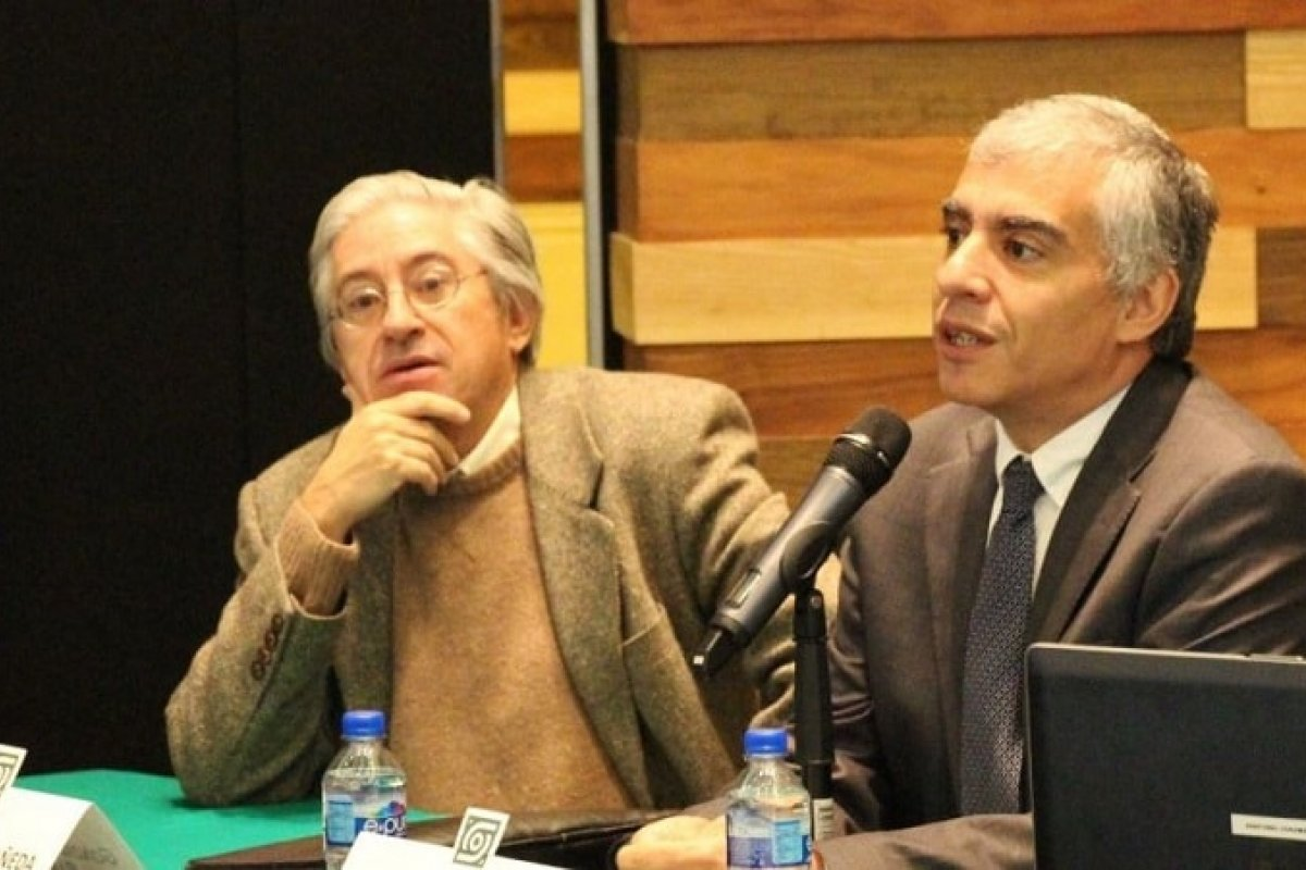 El también investigador nivel III, ha fungido como Secretario Académico de la UNAM y Secretario General del CIDE.