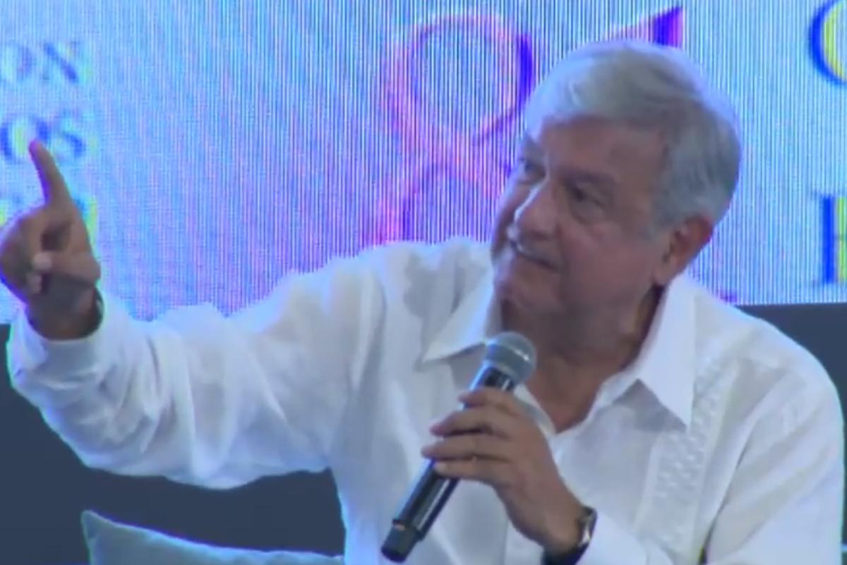 Lopez Obrador sostuvo ante banqueros que si ocurre un fraude electoral se retirará a Palenque y no detendrá protestas sociales. Foto: Video de Facebook