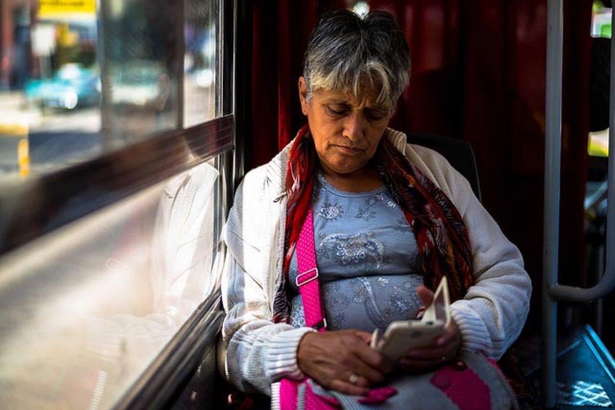 A través de redes sociales se han difundido grabaciones advirtiendo falsamente que las vacunas contra la fiebre amarilla son peligrosas. Foto: Juan Bello /algunos derechos reservados.