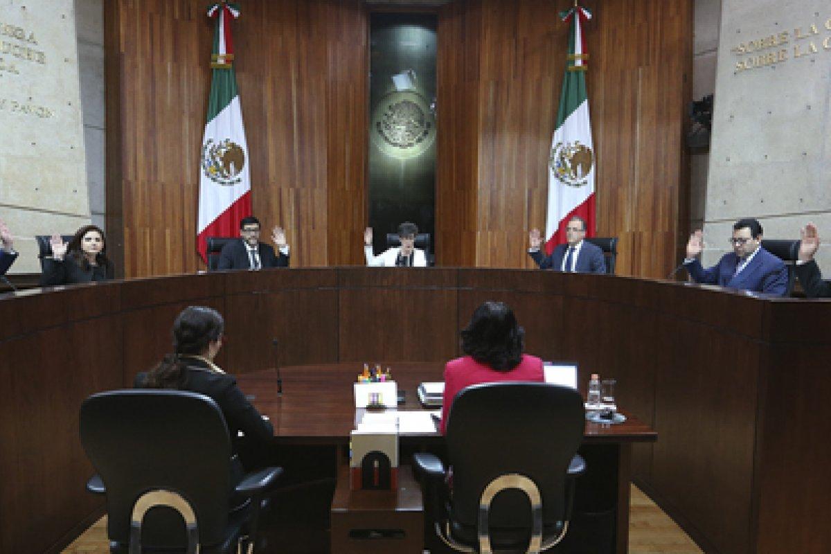 Cuatro votos a favor y tres en contra fue el resultado final de en la votación de los magistrados del Tribunal Electoral en relación con el registro del Bronco.