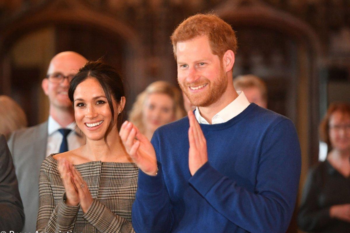 Se estima que la boda real entre el príncipe y Markle tendrá un costo aproximado de 32 millones de libras esterlinas (casi 860 millones de pesos).(Foto: Twitter)