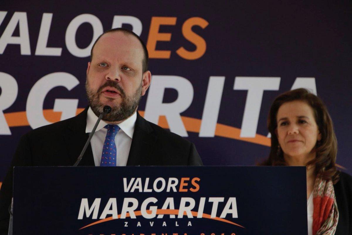 Margarita Zavala invitó a su equipo de campaña a Alejandro Hope como asesor en materia de seguridad. Foto: Twitter Margarita Zavala