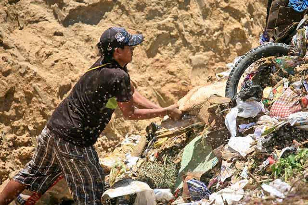 Los pepenadores viven en la informalidad dentro de la CDMX (Foto: Alex Proimos)