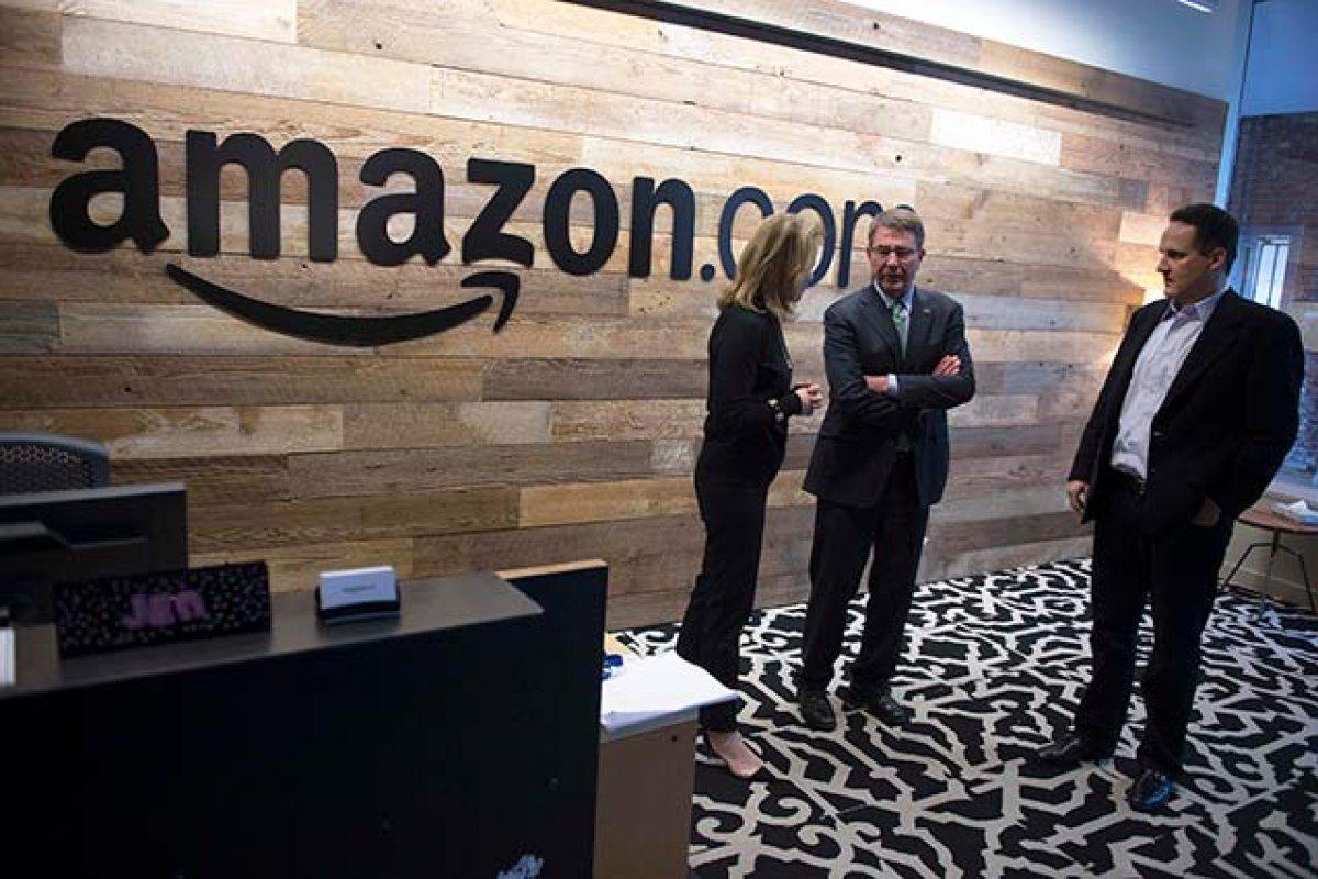 Amazon ya vende equipo médico a hospitales e intentó entrar a la venta de fármacos (Foto: Departamento de Defensa de los Estados Unidos)
