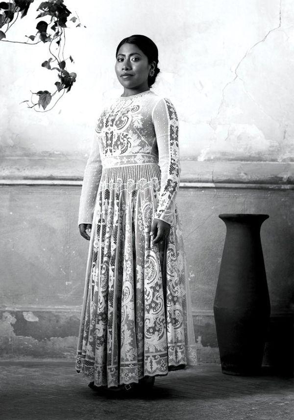 Yalitza Aparicio Viste De Dior En Portada De Vogue Qué
